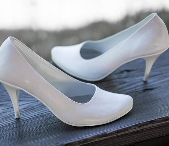 CASANI klasyczne buty na szpilce. Wybór koloru, rozmiaru www.casani.pl
