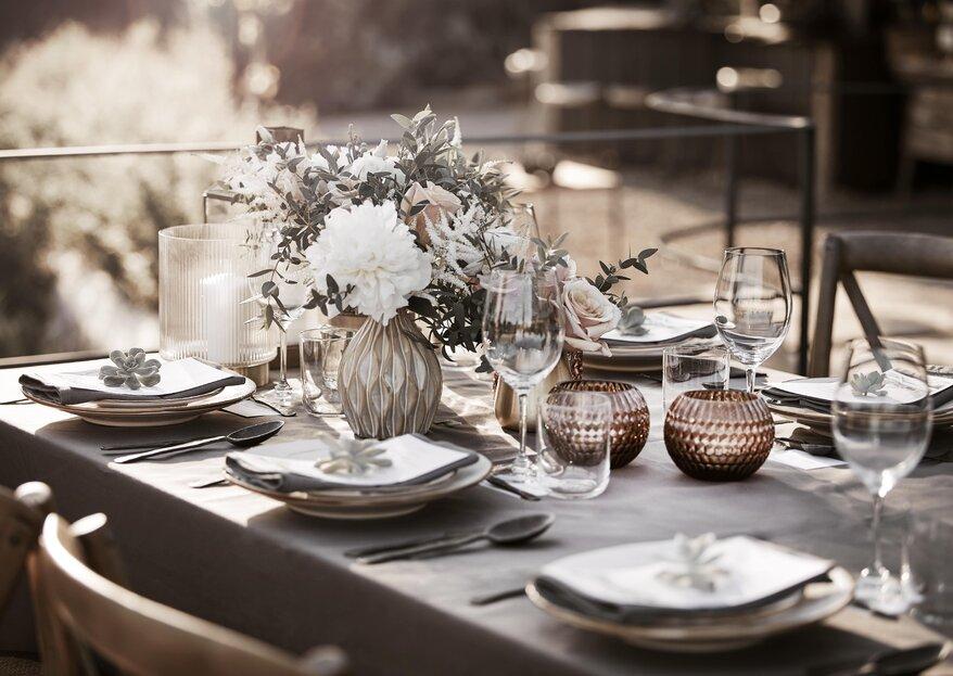 Pomysły na stylową dekorację weselnego stołu
