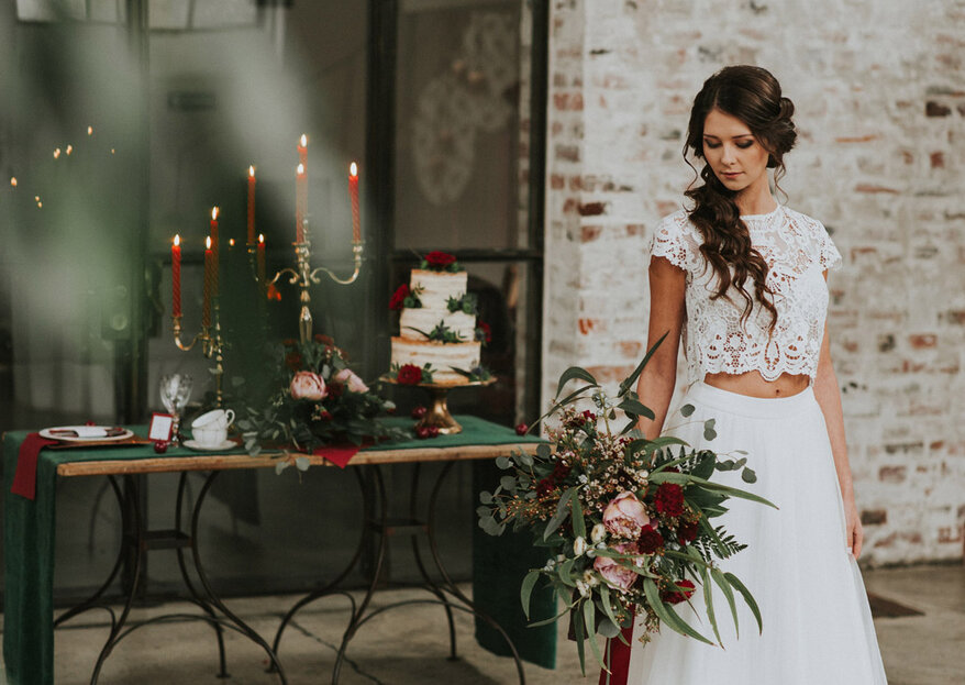 Z dodatkiem butelkowej zieleni i kolorów wina w Impresji - stylizowana sesja ślubna