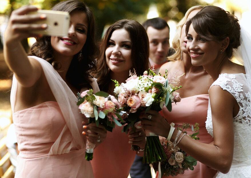 Telefony na ślubie: selfie, video i transmisje w mediach społecznościowych. Wypada?